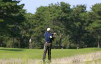 Barack Obama si regala un po' di golf per il 51esimo compleanno