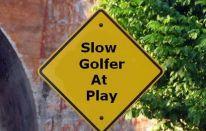 Giocare a golf: come combattere il gioco lento?