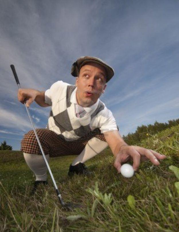 rubare giocando a golf