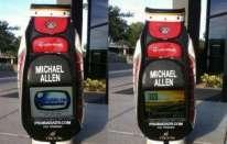 Michael Allen e la sua sacca con LCD HD
