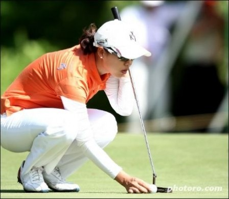 Korean Ladies Masters putt